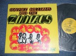 画像1: MAURICE WILLIAMS and The ZODIACS - THE BEST OF ( MINT-/MINT)  / 1980's  US AMERICA  Used LP
