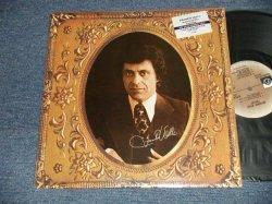 画像1: FRANKIE VALLI - GOLD (CAN'T TAKE MY EYES OFF YOU) (MINT-/MINT-) / 1975 US AMERICA ORIGINAL used LP